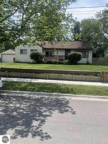 417 John R Street, Clare, MI 48617 (MLS #1891141) :: Boerma Realty, LLC