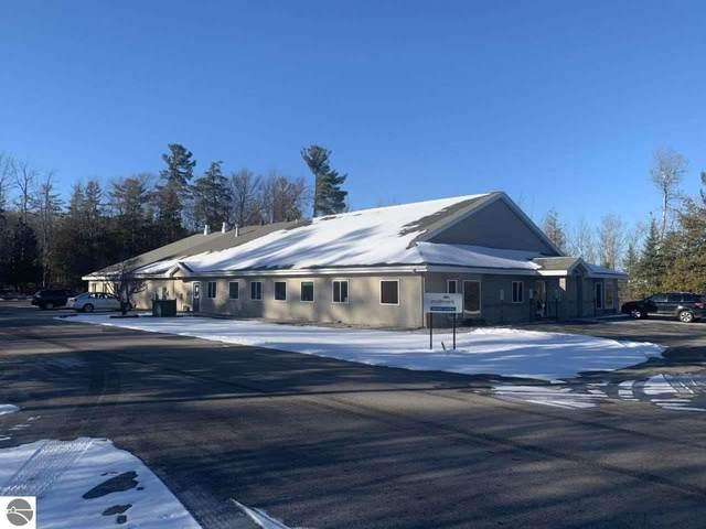 2600 Miller Creek Road, Traverse City, MI 49684 (MLS #1891282) :: Brick & Corbett