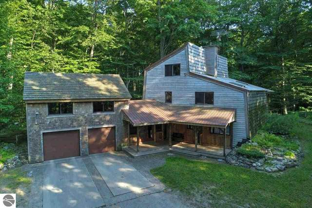10400 E Youker Drive, Suttons Bay, MI 49682 (MLS #1891310) :: CENTURY 21 Northland