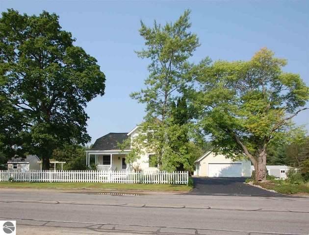 443 S Fairview, West Branch, MI 48661 (MLS #1891342) :: Team Dakoske | RE/MAX Bayshore