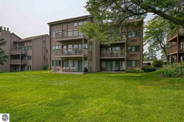 5533 Golfview Court, Williamsburg, MI 49690 (MLS #1891352) :: CENTURY 21 Northland