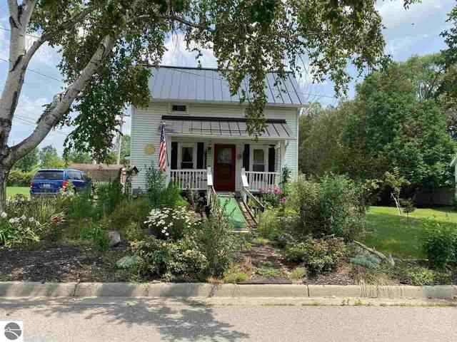 212 Elmwood, Alma, MI 48801 (MLS #1891648) :: Boerma Realty, LLC