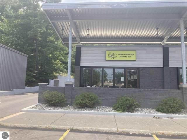 1315 W S Airport Road #1, Traverse City, MI 49686 (MLS #1891851) :: Boerma Realty, LLC