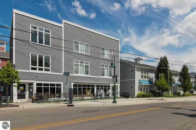 237 Lake Avenue C, Traverse City, MI 49684 (MLS #1891861) :: Team Dakoske | RE/MAX Bayshore
