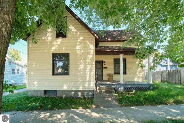 411 Mckee Street, Manistee, MI 49660 (MLS #1892096) :: Boerma Realty, LLC
