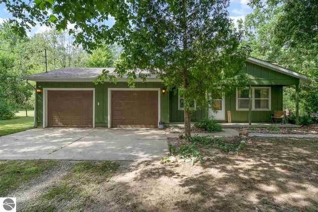 2746 S Loomis Road, Mt Pleasant, MI 48858 (MLS #1892441) :: Boerma Realty, LLC