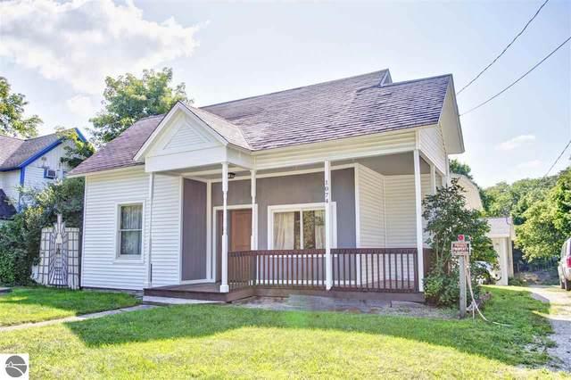 1074 Michigan Avenue, Benzonia, MI 49616 (MLS #1892461) :: Boerma Realty, LLC