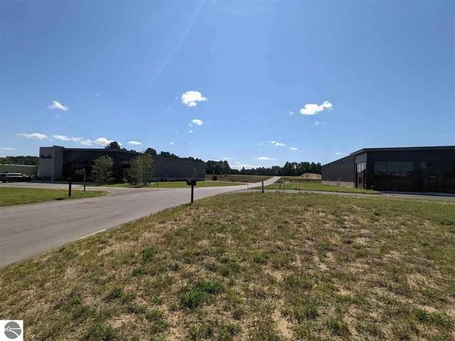5810 Kyre Court, Traverse City, MI 49684 (MLS #1892524) :: Boerma Realty, LLC