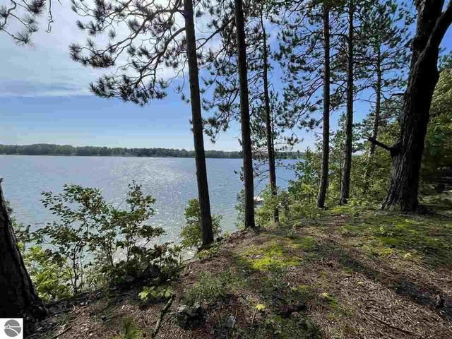 4784 Michakewa Trail, Cheboygan, MI 49721 (MLS #1892652) :: Boerma Realty, LLC