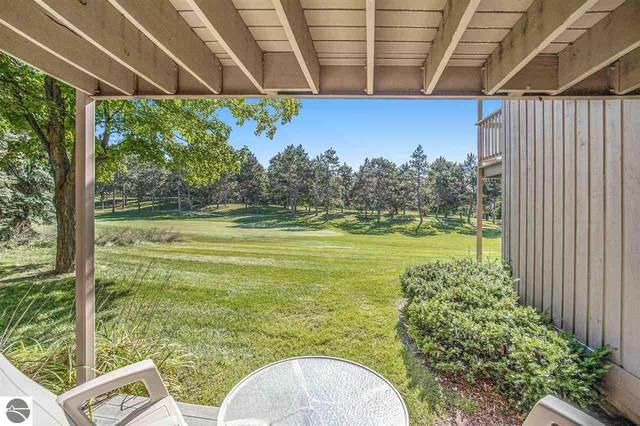 5516 Golfview Court, Williamsburg, MI 49690 (MLS #1892698) :: Boerma Realty, LLC
