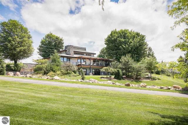 3333 Kirkridge Drive, Williamsburg, MI 49690 (MLS #1892752) :: Boerma Realty, LLC