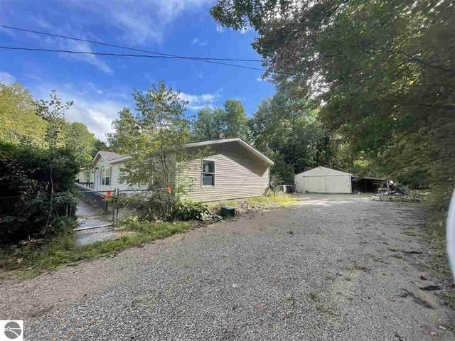 1430 NE Kettle Lake Road, Kalkaska, MI 49646 (MLS #1892979) :: CENTURY 21 Northland
