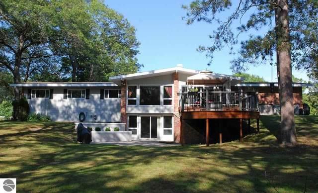 9210 Rhode Island Circle, Oscoda, MI 48750 (MLS #1893023) :: Brick & Corbett