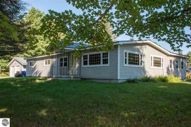 3083 Kettle Lake Road, Kalkaska, MI 49646 (MLS #1893049) :: CENTURY 21 Northland