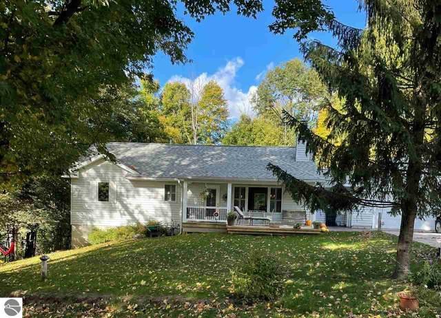 19820 Linwood Avenue, Lake Ann, MI 49650 (MLS #1894230) :: CENTURY 21 Northland