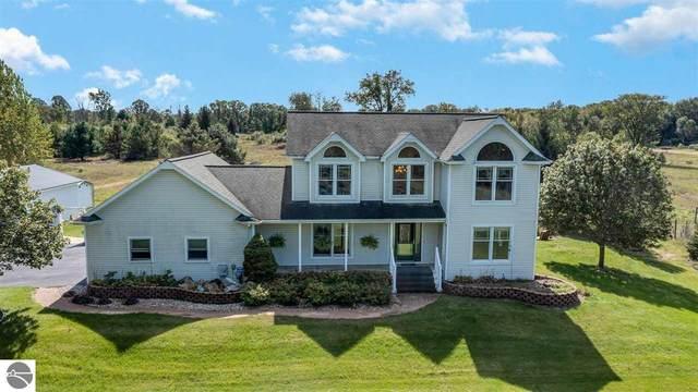 1097 W Bluegrass Road, Mt Pleasant, MI 48858 (MLS #1894280) :: Brick & Corbett
