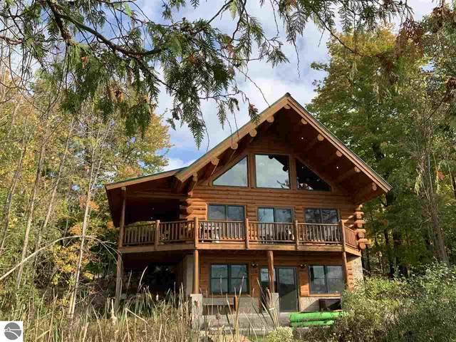 7821 S Cottage Drive, Bellaire, MI 49615 (MLS #1894319) :: Team Dakoske | RE/MAX Bayshore