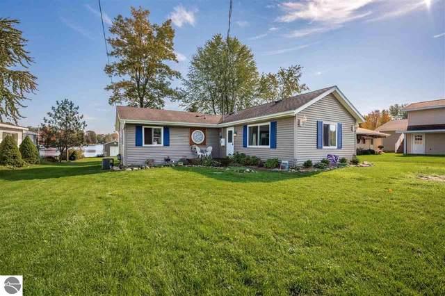 3151 W Huckleberry Trail, Farwell, MI 48622 (MLS #1894341) :: Boerma Realty, LLC