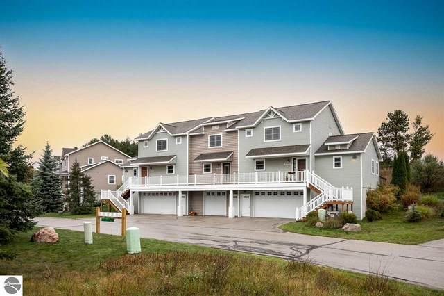 4900 Black Bear, Traverse City, MI 49685 (MLS #1894346) :: Boerma Realty, LLC