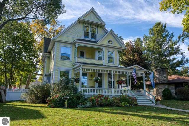 422 Washington Street, Traverse City, MI 49686 (MLS #1894456) :: CENTURY 21 Northland