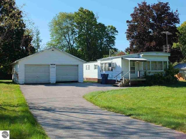 1758 Poplar Place, Traverse City, MI 49686 (MLS #1894473) :: CENTURY 21 Northland