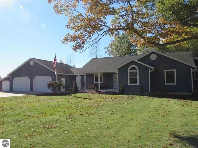 2470 Pine Knoll Drive, Cadillac, MI 49601 (MLS #1894494) :: CENTURY 21 Northland