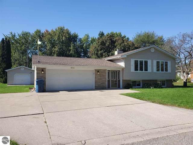 202 Michael Avenue, Shepherd, MI 48858 (MLS #1868240) :: Boerma Realty, LLC