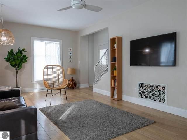 415 W Ninth Street, Traverse City, MI 49684 (MLS #1872255) :: Boerma Realty, LLC