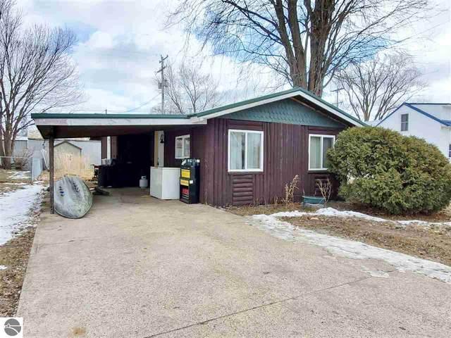 6630 N Maple Street, Riverdale, MI 48877 (MLS #1872453) :: Michigan LifeStyle Homes Group