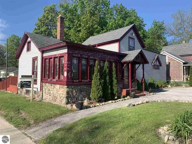 190 E Oak Street, Harrison, MI 48625 (MLS #1872474) :: Michigan LifeStyle Homes Group