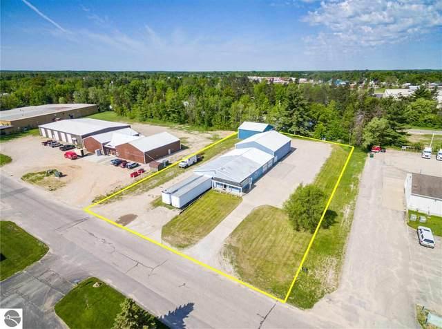 110 W Park Drive, Kalkaska, MI 49646 (MLS #1872528) :: Boerma Realty, LLC