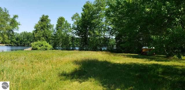 1240 Clubhouse Drive, Lake Isabella, MI 48893 (MLS #1872610) :: Team Dakoske | RE/MAX Bayshore
