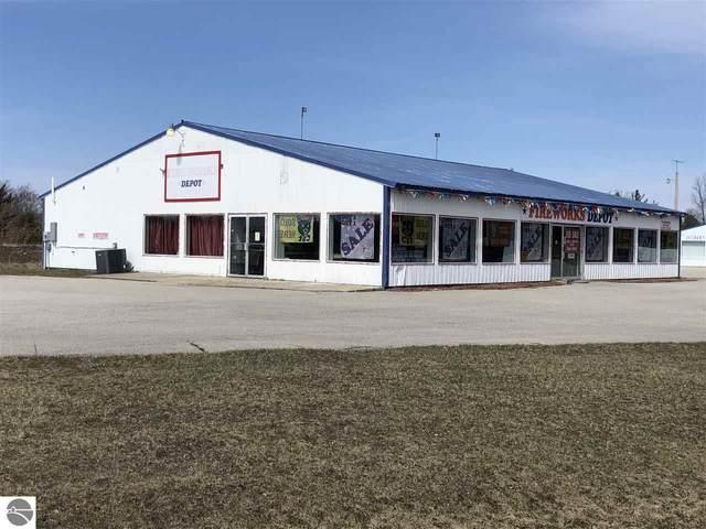 902 S Cedar Street, Kalkaska, MI 49646 (MLS #1872727) :: CENTURY 21 Northland