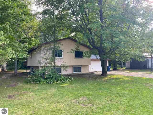 3261 NE Inwood Circle Drive, Kalkaska, MI 49646 (MLS #1874128) :: Michigan LifeStyle Homes Group