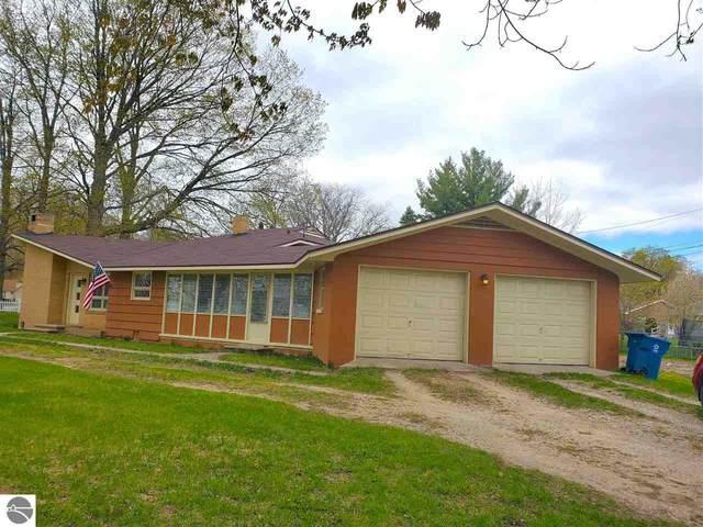 209 N Chippewa Street, Shepherd, MI 48883 (MLS #1874422) :: Boerma Realty, LLC