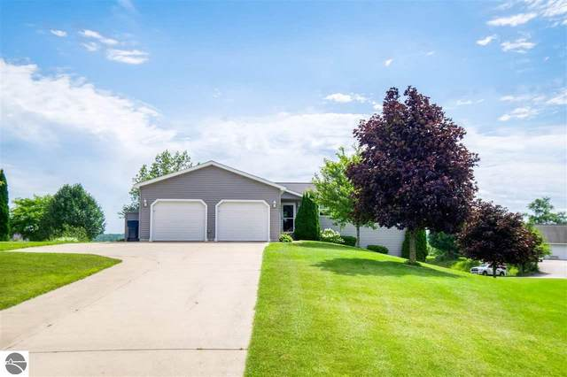 677 Autumnview Lane, Traverse City, MI 49685 (MLS #1874676) :: Michigan LifeStyle Homes Group