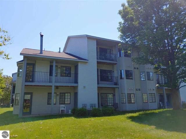 621 Riverine Drive #304, Traverse City, MI 49684 (MLS #1875520) :: Michigan LifeStyle Homes Group