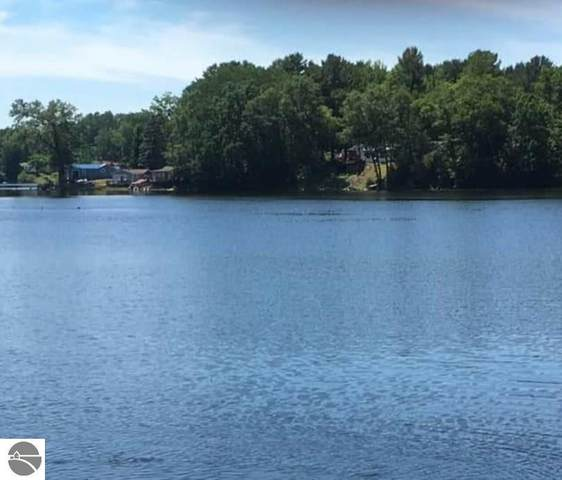 TBD Lake Station Avenue, Lake, MI 48632 (MLS #1877267) :: Boerma Realty, LLC