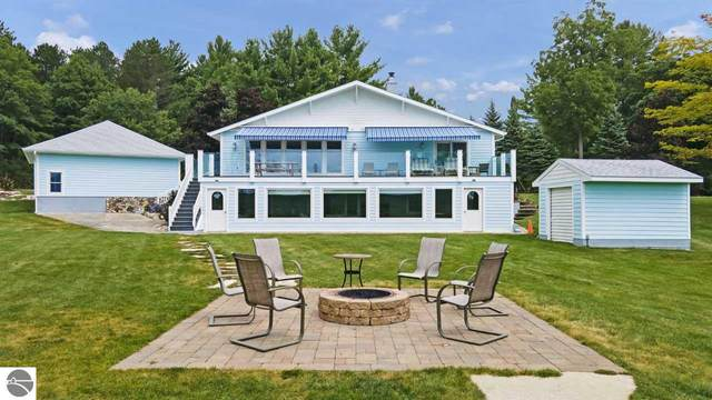 7487 Cottage Drive, Bellaire, MI 49615 (MLS #1877809) :: Michigan LifeStyle Homes Group