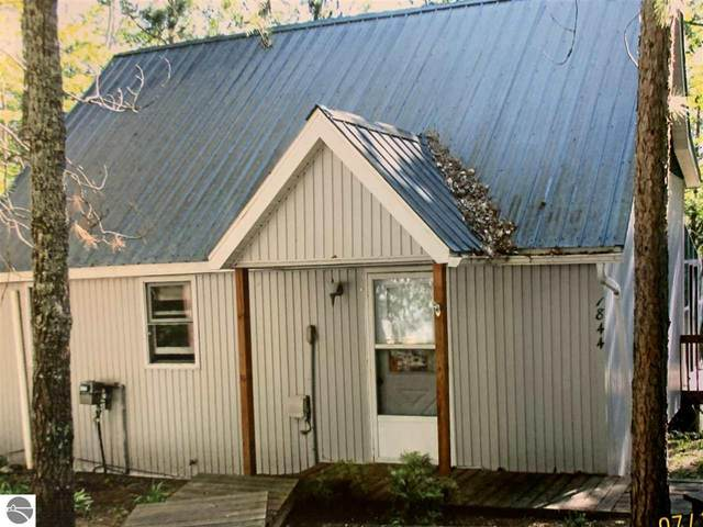 1844 W Bear Lake Road, Kalkaska, MI 49646 (MLS #1877941) :: CENTURY 21 Northland