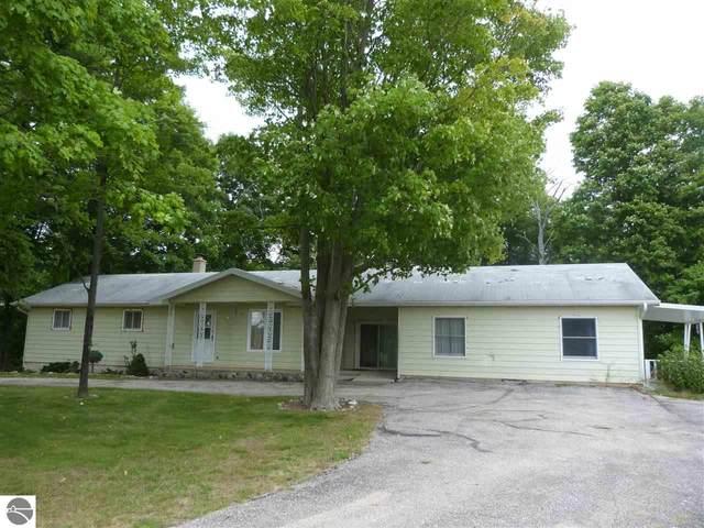 2889 Peckens Road, Honor, MI 49640 (MLS #1878339) :: Michigan LifeStyle Homes Group