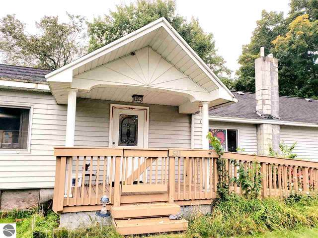 501 Evergreen Street, Kalkaska, MI 49646 (MLS #1879864) :: CENTURY 21 Northland