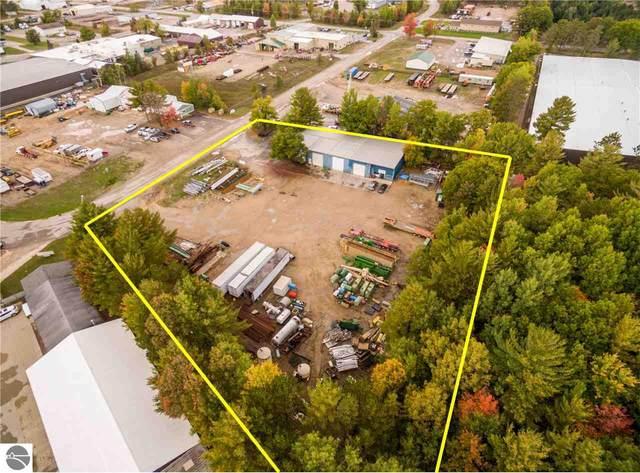 209 E Park Drive, Kalkaska, MI 49646 (MLS #1880552) :: Boerma Realty, LLC