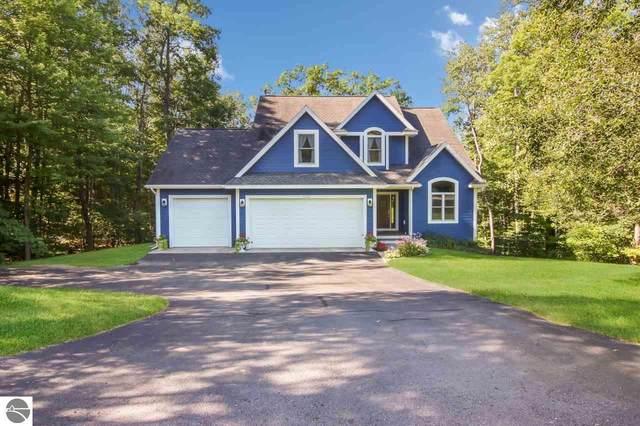 3038 Holiday Village Road, Traverse City, MI 49686 (MLS #1881084) :: Michigan LifeStyle Homes Group
