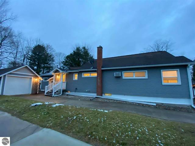 815 Sixth Street, Traverse City, MI 49684 (MLS #1882228) :: Boerma Realty, LLC