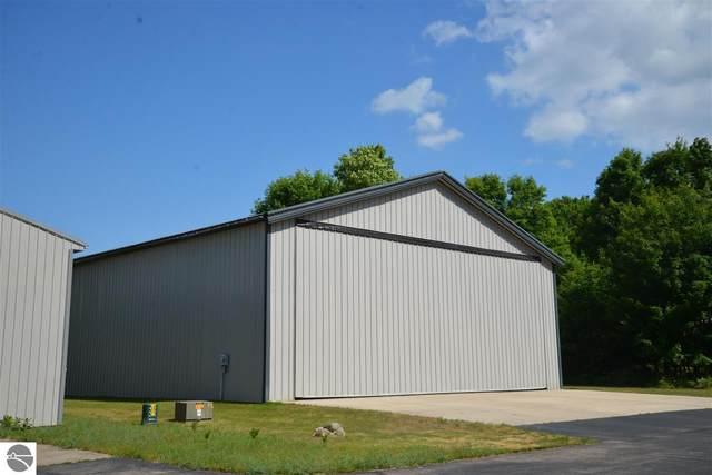 1212 Hangar Way #5, Kewadin, MI 49648 (MLS #1883099) :: Brick & Corbett