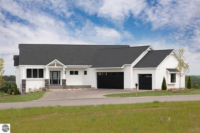 2714 W Crown Drive, Traverse City, MI 49685 (MLS #1884098) :: Brick & Corbett