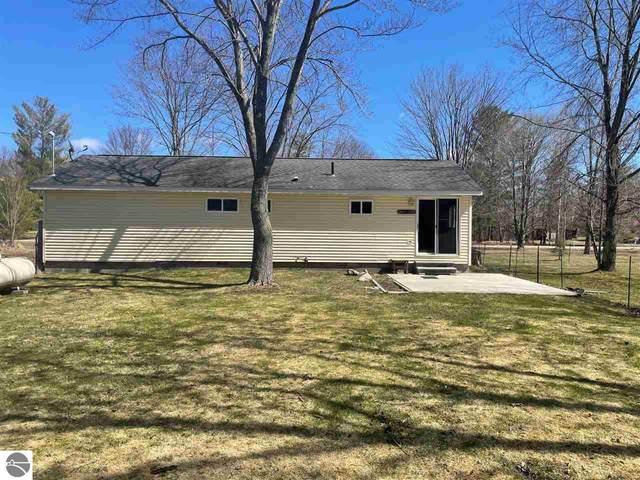 1297 Burgess Road, Houghton Lake, MI 48629 (MLS #1884658) :: Michigan LifeStyle Homes Group