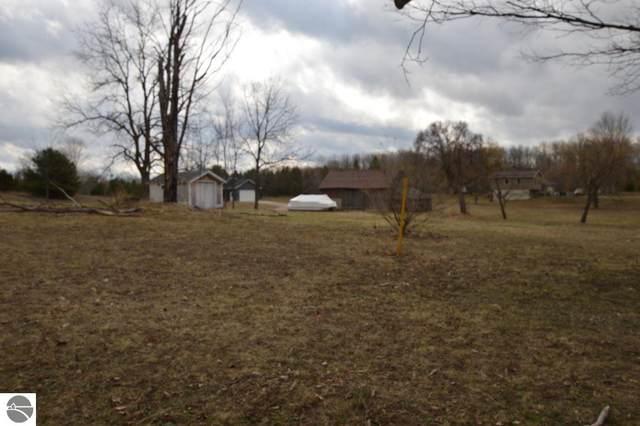 2892 W Long Lake Road, Traverse City, MI 49685 (MLS #1884711) :: Boerma Realty, LLC
