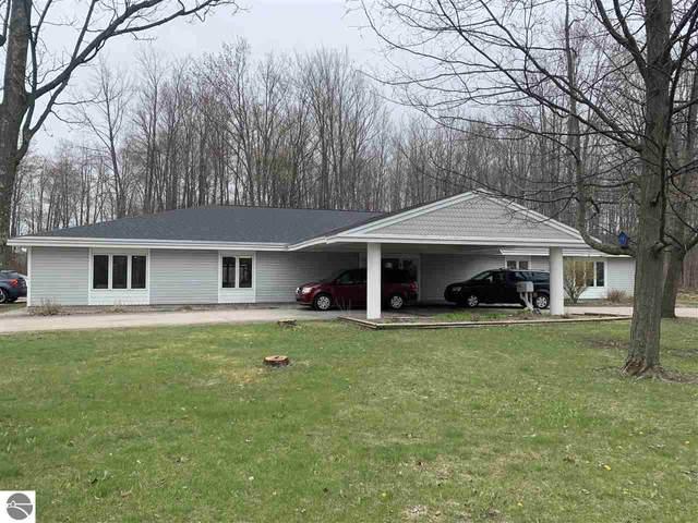 615 Beardsley Road, Boyne City, MI 49712 (MLS #1884732) :: Michigan LifeStyle Homes Group